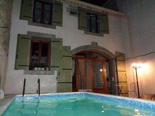 Traditional meets Contemporary - Cesseras vacation rentals