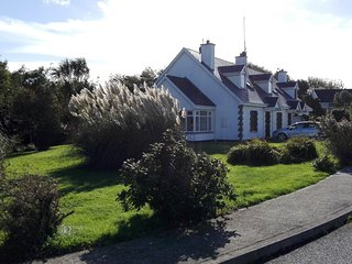 Lovely Cottage with Satellite Or Cable TV and Outdoor Dining Area - Fethard On Sea vacation rentals