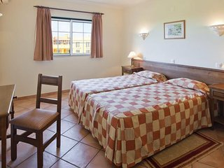2 Bedroom Villa in Carvoeiro - Carvoeiro vacation rentals