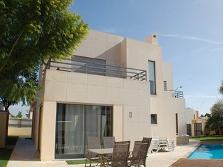 Luxury 4 bedroom villa 5 minutes from the strip. - Olhos de Agua vacation rentals