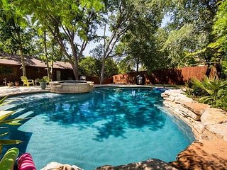 4BR/2.5BA Classic Ranch House, Private Pool, Near Downtown Austin, Sleeps 12 - Austin vacation rentals
