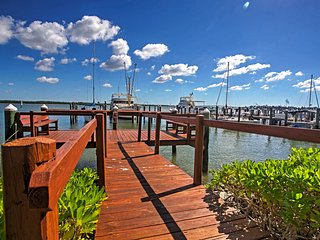NEW! Bayfront 1BR Marco Island Condo w/Pool Access - Marco Island vacation rentals