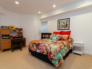 Highland Park Luxury Home- 2000 square foot Suite - Highland Park vacation rentals