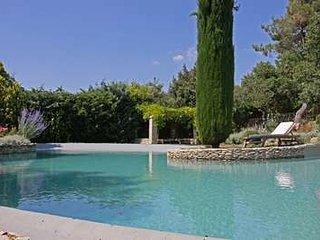 Superbly Restored Provencal 'Bastide' With 6 Bedrooms, Set on Gorde's Hills - Oppede vacation rentals