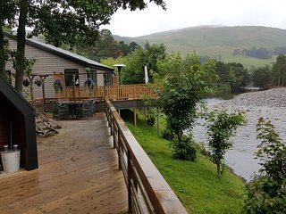 Beautiful Badger Lodge - just awarded TripAdvisor 2017 Certificate of Excellence - Blair Atholl vacation rentals