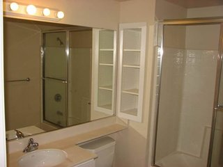 Furnished 1-Bedroom Condo at W Bayshore Rd & Woodland Ave East Palo Alto - East Palo Alto vacation rentals