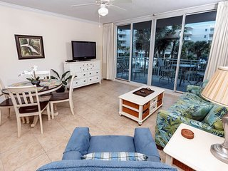 Lovely Condo with Internet Access and Waterfront - Fort Walton Beach vacation rentals