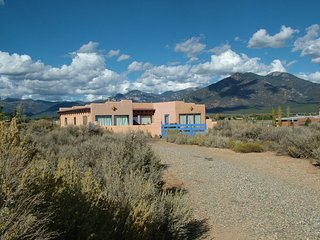 Desiderata -Spirited Adobe - El Prado vacation rentals