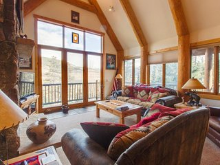 Well-appointed mountain townhome w/ jetted tub, private hot tub, & shared pool - Dillon vacation rentals