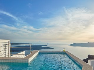 La Maltese Master Villa with plunge pool - Imerovigli vacation rentals