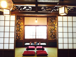 9 minutes by taxi from Shin-Osaka Station! - Suita vacation rentals