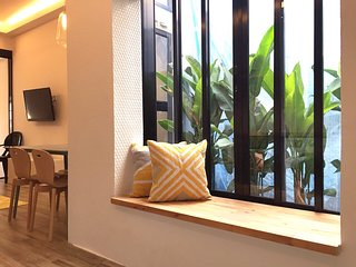 Gorgeous City Apartment in Tiong Bahru - Singapore vacation rentals