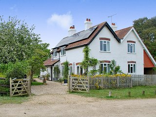 Ramblers is a beautiful 2 bedroom cottage in Burley, Hampshire - Burley vacation rentals