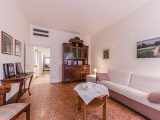 RIALTO APT: WIFI - 5 min from Rialto and Train Station - Venice vacation rentals