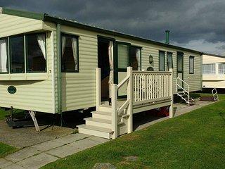 8 Berth Bronze 3 bed Caravan, Golden Sands, Rhyl - Towyn vacation rentals