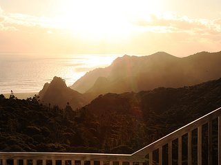 Nice House with Deck and Washing Machine - Karekare vacation rentals