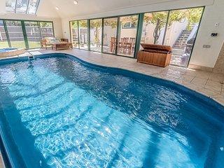 BAYVIEW RESORT - POOL, SPA & WATERVIEWS - Inverloch vacation rentals