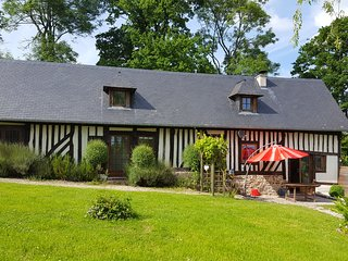 """LOVELY 4 BEDROOM """"COLOMBAGE"""" HOUSE - Pont-L'Eveque vacation rentals"""
