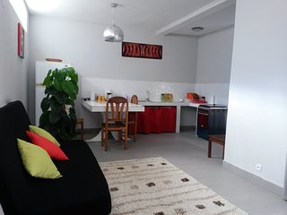 Cozy 1 bedroom Talatamaty Apartment with Internet Access - Talatamaty vacation rentals