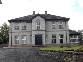 ROOMS for rent in Country Home, with dog kennels - Castlederg vacation rentals