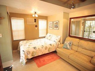 Cozy Condo with Internet Access and A/C - North Miami Beach vacation rentals