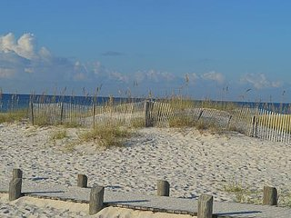 White Sandy Beaches Await Your Family in 2Bd/2Ba condo - Gulf Shores vacation rentals