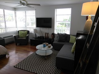 Bright 1 bedroom Vacation Rental in Miami Beach - Miami Beach vacation rentals