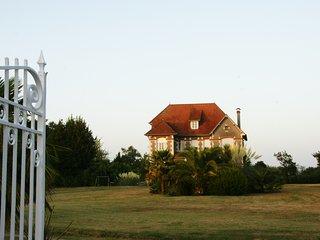 Art Deco 'La Villa Russe' in Bearn/Basque country - Gurs vacation rentals