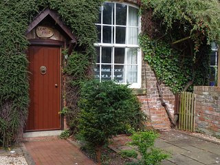 Leap Frog Annex in the village of Tollerton between York and Easingwold - Tollerton vacation rentals