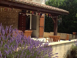 Charming 3 bedroom Loubes-Bernac House with A/C - Loubes-Bernac vacation rentals
