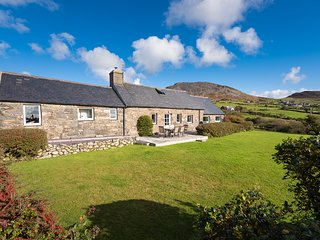 Perfect Cottage with Internet Access and Television - Abersoch vacation rentals