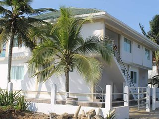 Cozy 2 bedroom Beach hut in Tolu - Tolu vacation rentals