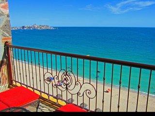 Trendy OCEANFRONT in Boutique Sonoran Sky Resort - Puerto Penasco vacation rentals