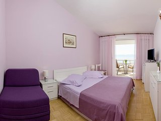 Beautiful Bed and Breakfast with Internet Access and A/C - Brela vacation rentals