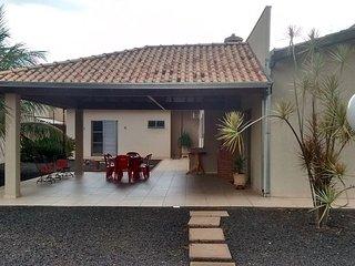Casa nova e confortável com ar condicionado - Olimpia vacation rentals