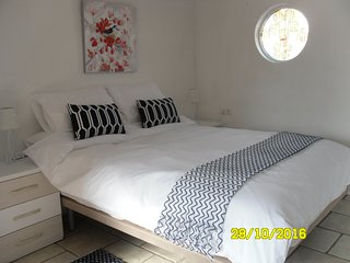 Idylic, Heaven, Mountain Views, Perfect New Beds - Alicante vacation rentals