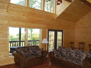 Knockin' On Heaven's Door - Excellent Location - Nov - Dec 10% Discount - Gatlinburg vacation rentals