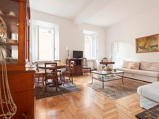LA DOLCE VITA APT CLOSE TREVI & SPANISH STEPS - Rome vacation rentals