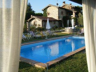 In Vecchio Casale con piscina  Lago Maggiore - Veruno vacation rentals