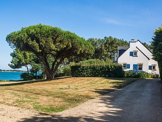 In Morbihan, Brittany, spacious seafront villa with 6 bedrooms, garden and terrace - 300m from the sea ! - Saint-Philibert vacation rentals