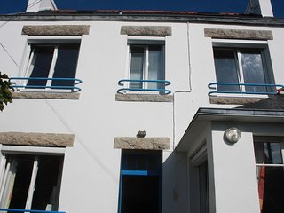 Men-Meur – a well-appointed, 4-bedroom house with a furnished terrace – just 300m from the beach! - Le Guilvinec vacation rentals