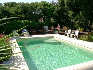 Well-appointed house with pool - Bedarrides vacation rentals