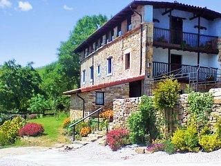 El Bosque Encantado - A spacious, 4-bedroom house in Ampuero with gorgeous mountain views! - Ampuero vacation rentals