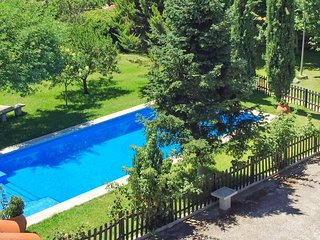 Rustic, 5-bedroom house with a swimming pool and large field – 1km from the Castillo de Trujillo! - Trujillo vacation rentals