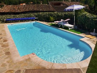 Beautiful, 2-bedroom house with access to swimming pool and superb view of the Ardeche Valley! - Ucel vacation rentals