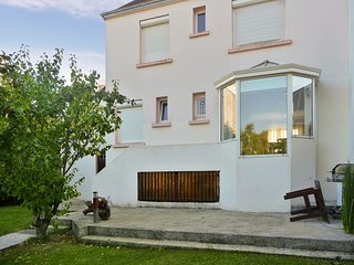 Comfortable house with terrace and WiFi - Lanester vacation rentals