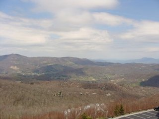 2BR Condo, 1 King Suite, Long Range Views, Free Shuttle to Slopes, Minutes from - Sugar Mountain vacation rentals