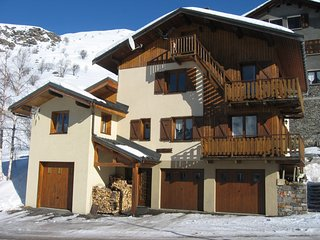 Chamois – a modern, 2-bedroom apartment in the Alps with terrace les Menuires / 3 vallées– 100m from the slopes! - Les Menuires vacation rentals