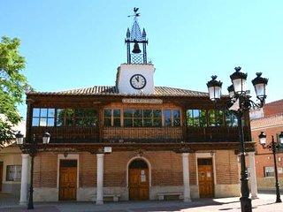 Convenient 1-bedroom apartment in Numancia de la Sagra with WiFi - 20 minutes to Madrid and Toledo! - Numancia de la Sagra vacation rentals