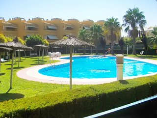 Fun-filled, 2-bedroom apartment in Islantilla with a shared swimming pool – 250 meters from the beach! - Isla Cristina vacation rentals